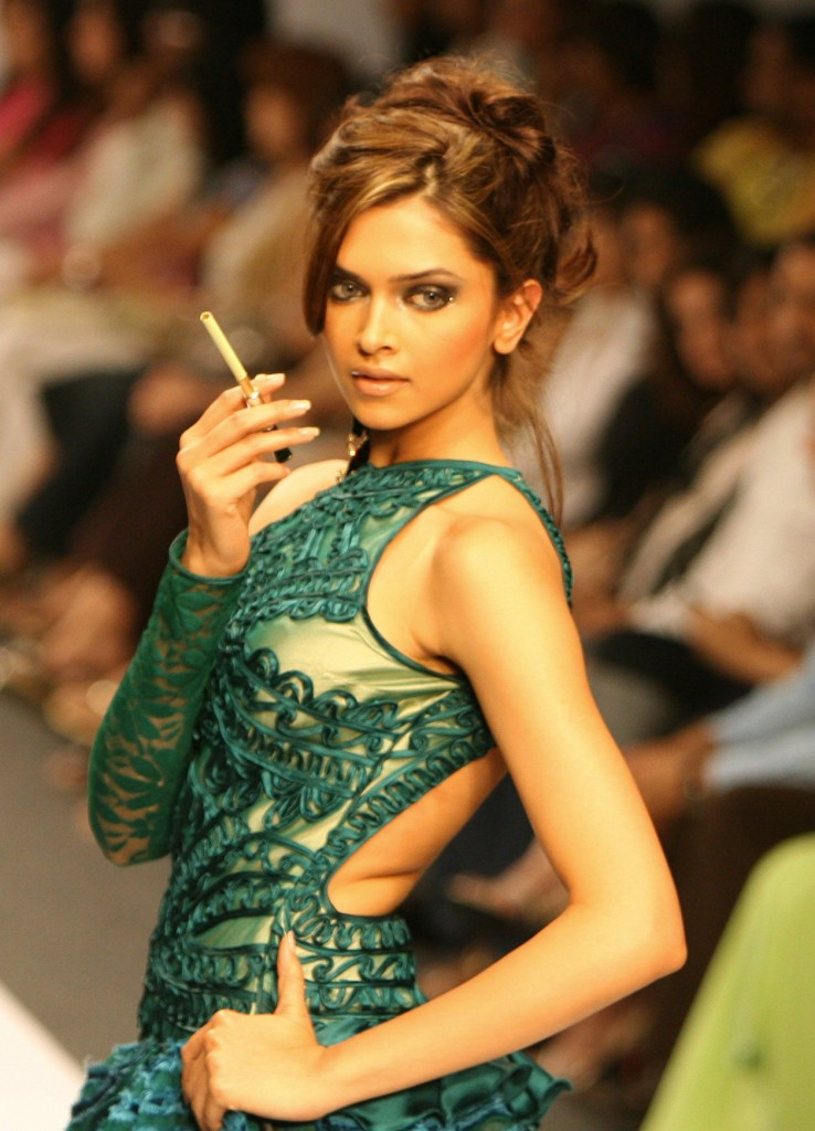 Deepika Padukone's Hottest Pictures from Old Modelling ...