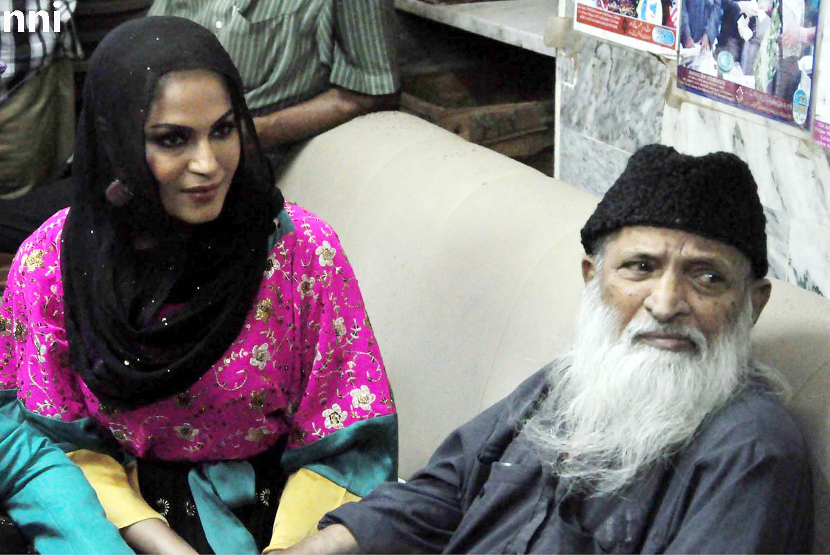 Veena Malik with Edhi