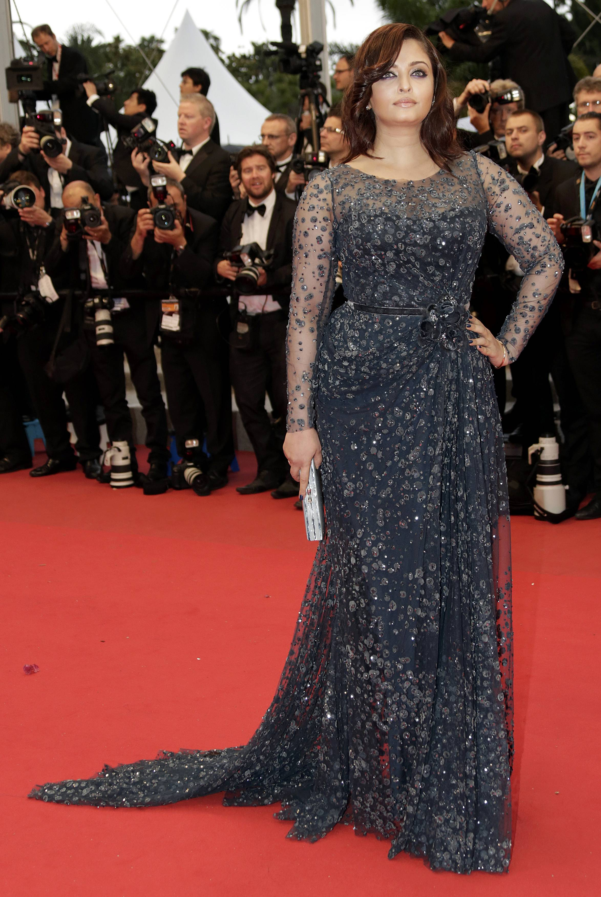 """Actress Aishwarya Rai arrives on the red carpet ahead of the screening of the film """"Cosmopolis"""" in competition at the 65th Cannes Film Festival May 25, 2012. REUTERS/Eric Gaillard (FRANCE - Tags: ENTERTAINMENT)"""