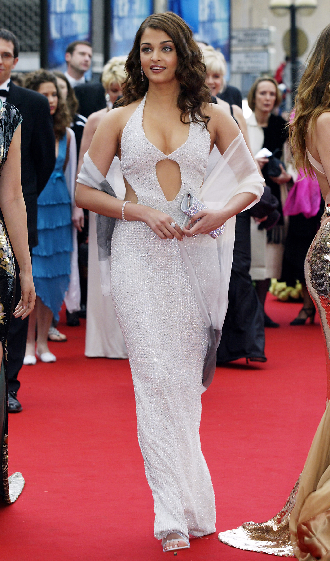 Indian model and actress Aishwarya Rai arrives for the opening ceremony at the 57th Cannes International Film Festival, 12 May 2004, in the French Riveria town of Cannes. The world's top film festival opened for its annual 12-day swirl of projections, parties and publicity after finessing a last-minute deal with protesting French entertainment industry workers to stop them sabotaging the event.AFP PHOTO/PASCAL GUYOT