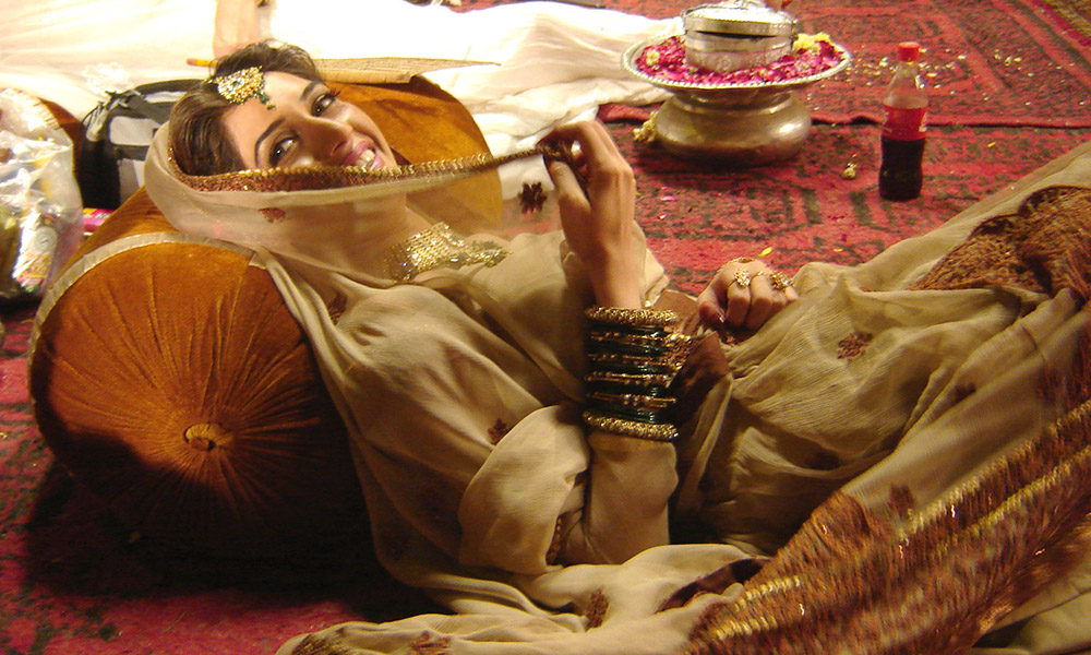 The model rose to fame by portraying Anarkali in a seven-minute music video directed by Shoaib Mansoor.