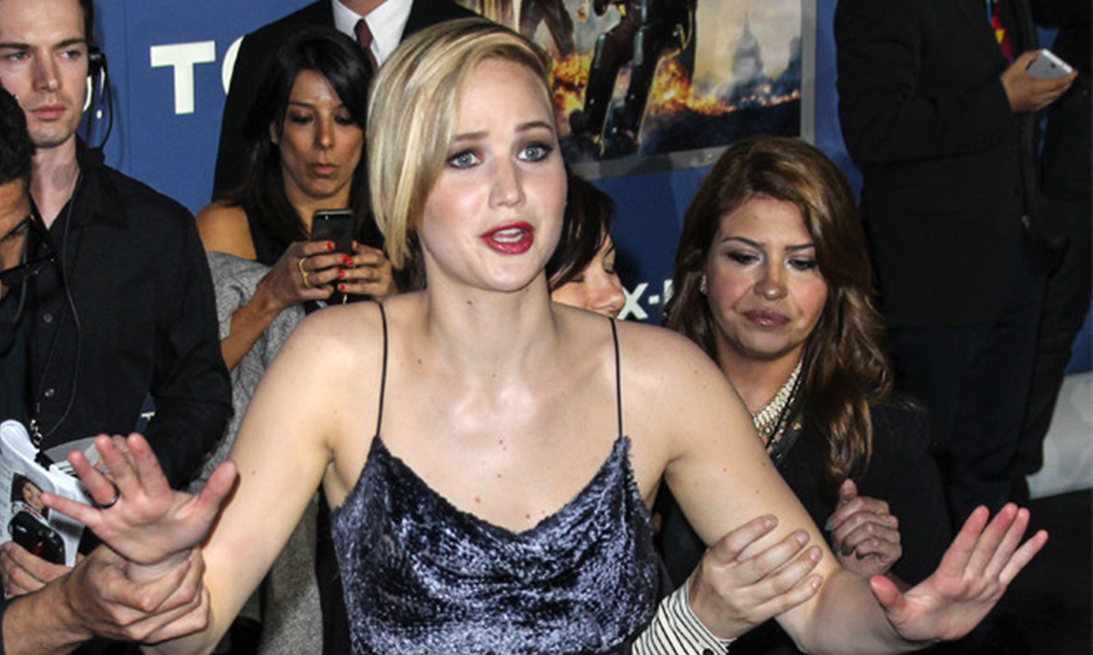 Jennifer Lawrence Trips And Falls