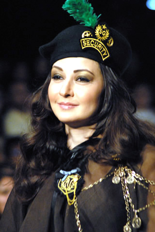 Zeba_Bakhtiar_at_PFDC_Sunsilk_Fashion_Week_2010