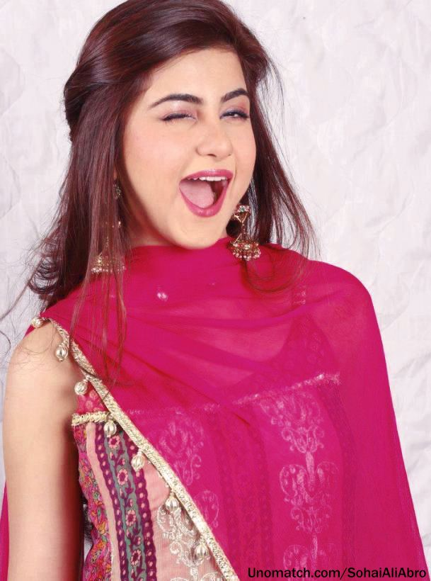 12 Pakistani Actress Who Look Cute In Pink - VeryFilmi