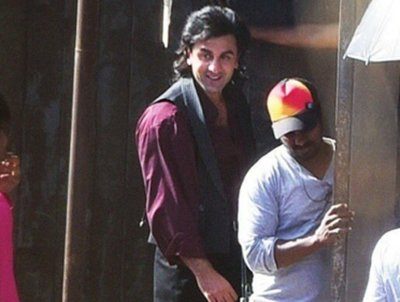 ranbir-kapoor-dresses-as-sanjay-dutt-for-his-role-in-the-sanjay-dutt-biopic