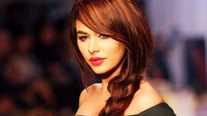 ayyan-hot-picture