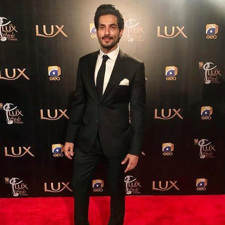 bilal ashraf lux style awards 2017 red carpet