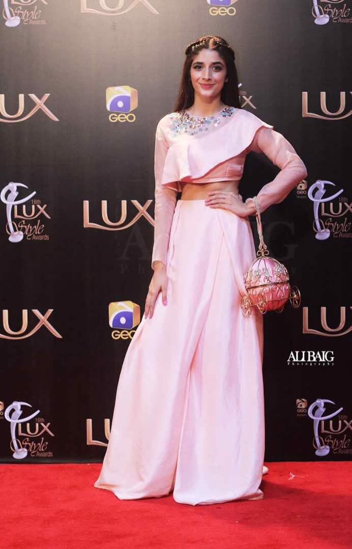 mawra hocane lux style awards dress