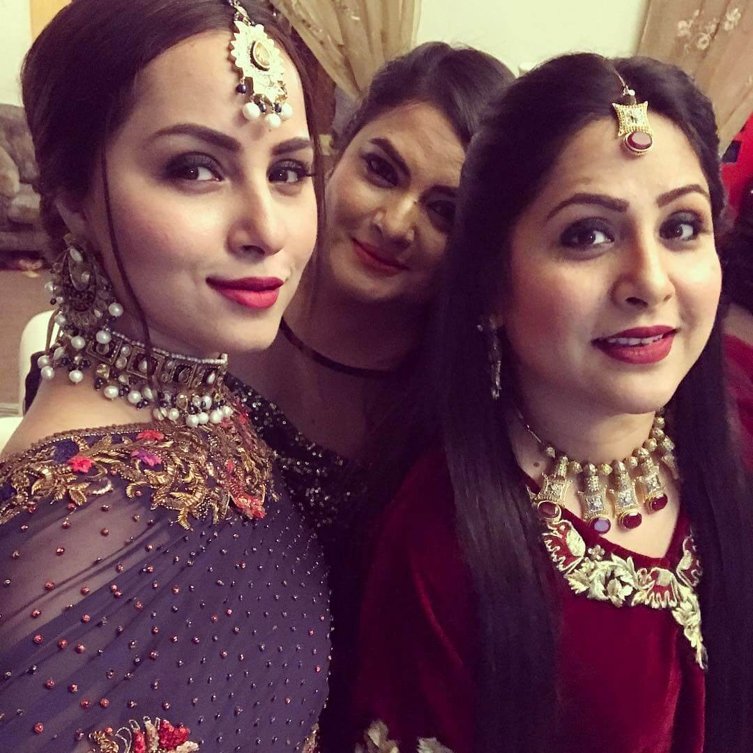 pakistani actress nimra khan engagement pictures