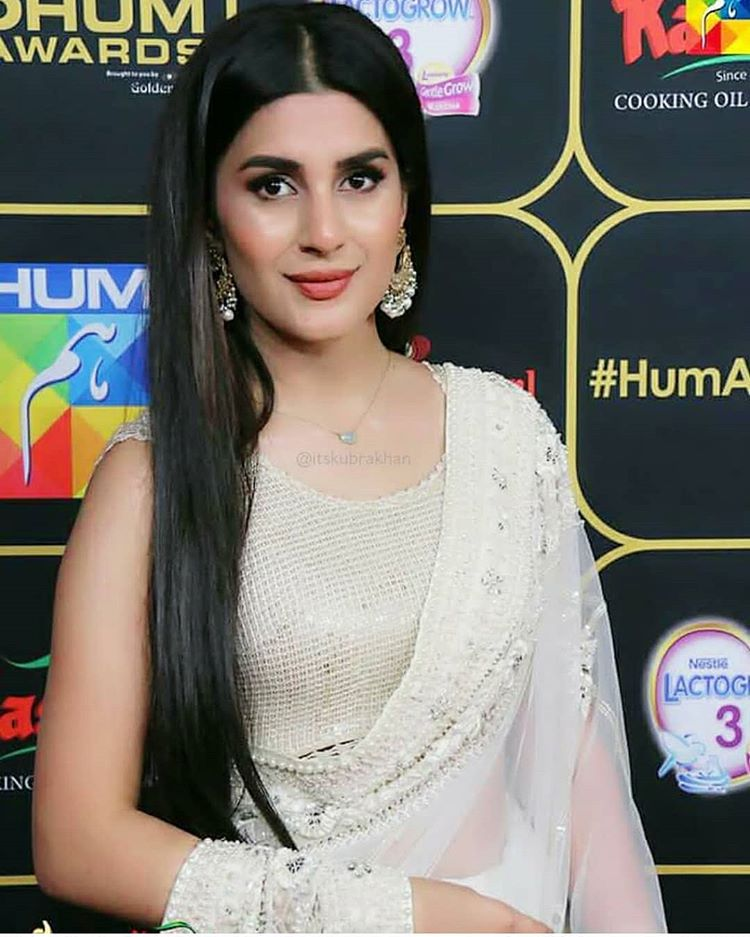 Hum Awards 2018: Best & Worst Dressed Pakistani Celebrities - VeryFilmi