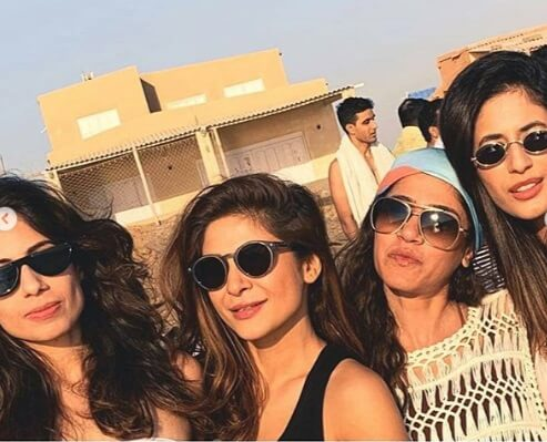pakistani celebrities on beach1