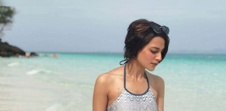 iqra aziz beach pictures